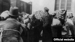 Imagine din martie 1943, deportarea evreilor din estul Traciei... (Foto: Arhiva Yad Vashem)