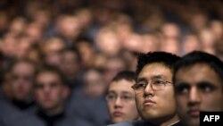 Слушатели военной академии Вест-Пойнт во время речи президента Обамы