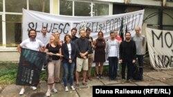 Ativiştii de la Occupy Guguţă