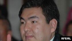 اعلام نتايج دور دوم انتخابات پارلمانی از پيروزی خويشاوندان اصغر آقایُف از جمله پسر او خبر می داد