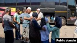 Група кримських мусульман вирушає у хадж, Сімферополь, 14 серпня 2017 року