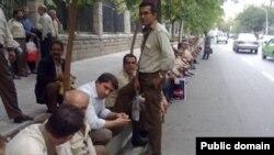 تجمع روز سهشنبه رانندگان شرکت واحد؛ عکس از وبسایت اتحادیه آزاد کارگران ایران