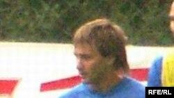 В своем первом матче за новую сборную Дмитрий Сычев стал одним из героев, забив на последней минуте второй мяч в ворота эстонской команды. Фото Игоря Швейцера