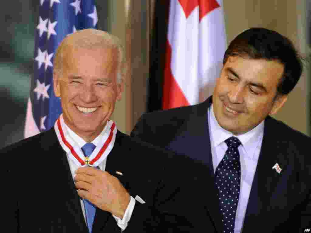 Вице-президент США Джо Байден провел Тбилиси переговоры с президентом Грузии Михаилом Саакашвили