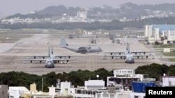 Жапонияның Окинава аралындағы АҚШ-тың Футэмма әскери базасы.