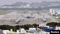 База вертолетов американской морской пехоты Футенма на острове Окинава, Япония