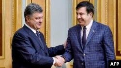 Ուկրաինայի նախագահ Պետրո Պորոշենկո և Վրաստանի նախկին նախագահ, Օդեսայի նահանգապետ Միխեիլ Սաակաշվիլի, Կիև, 1-ը հունիսի, 2015թ․