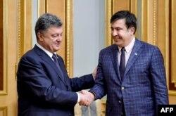 Президент Петро Порошенко и Михаил Саакашвили