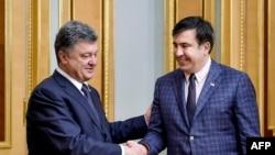 Ուկրաինայի նախագահ Պետրո Պորոշենկոն և Օդեսայի նորանշանակ նահանգապետ Միխեիլ Սաակաշվիլին, արխիվ