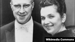 Галина Вишневская с супругом Мстиславом Растроповичем в 1965 году.