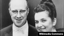 Галина Вишневська зі Мстиславом Ростроповичем, фото 1965 року
