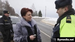 Police prevent ZPB head Andzelika Borys from attending the trial.