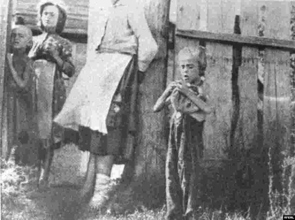 Holodomor: Famine In Ukraine, 1932-33 #8