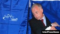 Один из лидеров «Объединенной оппозиции» Давид Гамкрелидзе уже заявил, что выборы были «тотально сфальсифицированы»