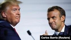 Trump (solda) Fransa prezidenti Macron-unbir sıra diplomatik təşəbbüslərinin ardınca qarşıdan gələn həftələrdə iranlı həmkarı ilə görüşə biləcəyini deyib