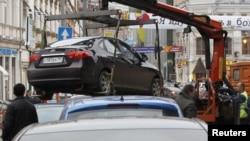 В российских городах парковок меньше, чем эвакуаторов