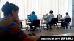 Internet-kafe barýanlar köpelýär