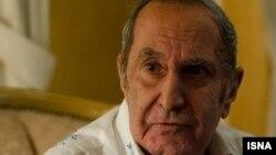 بهمن فرزانه آثار داستانی متعددی را به زبان فارسی ترجمه کرده است که معروفترین آنها رمان ستایششده «صد سال تنهایی»، نوشته گابریل گارسیا مارکز است