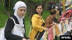 Majke Srebrenice na prosvjedima u Tuzli, 11. maj 2010. Foto: Maja Nikolić