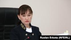 Болатбек Біләловтің сотын жүргізуші судья Назгүл Бапакова. Астана, 13 қаңтар 2016 жыл.