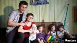 Сьвятлана Давыдава з мужам і дзецьмі