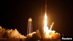 Лансирање на леталото Спејс Икс