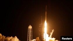 """Лансирање на ракетата """"Space X"""""""