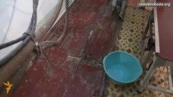Як дощ, то і в операційній іде дощ – лікар на Донеччині