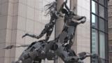 """Statuia """"Răpirea Europei"""" în fața clădirii Consiliului European la Bruxelles"""