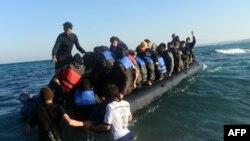 Лодка с мигрантами на борту. Иллюстративное фото.