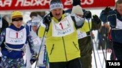 Александр Лукашенко готовится к финансовым заморозкам