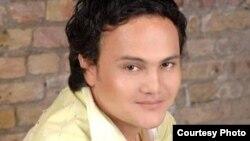 Uzbekistan - uzbek singer Olmas Olloberganov