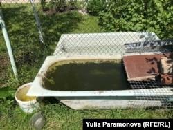 Запасы воды во дворе