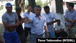 Алтын кенин иштетмекчи болгон кыргыз-кытай ишканасына болгон нааразылык акциялардын биринен. Чүй облусу.