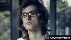 مرتضی پاشایی، خواننده جوان موسیقی پاپ که به دلیل بیماری سرطان درگذشت