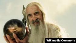 Кристофер Ли в роли Сарумана Белого