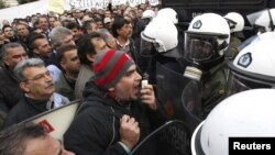У Афінах пратэстуюць транспартнікі