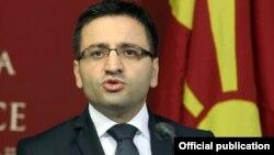 Фатмир Бесими, министер за одбрана.