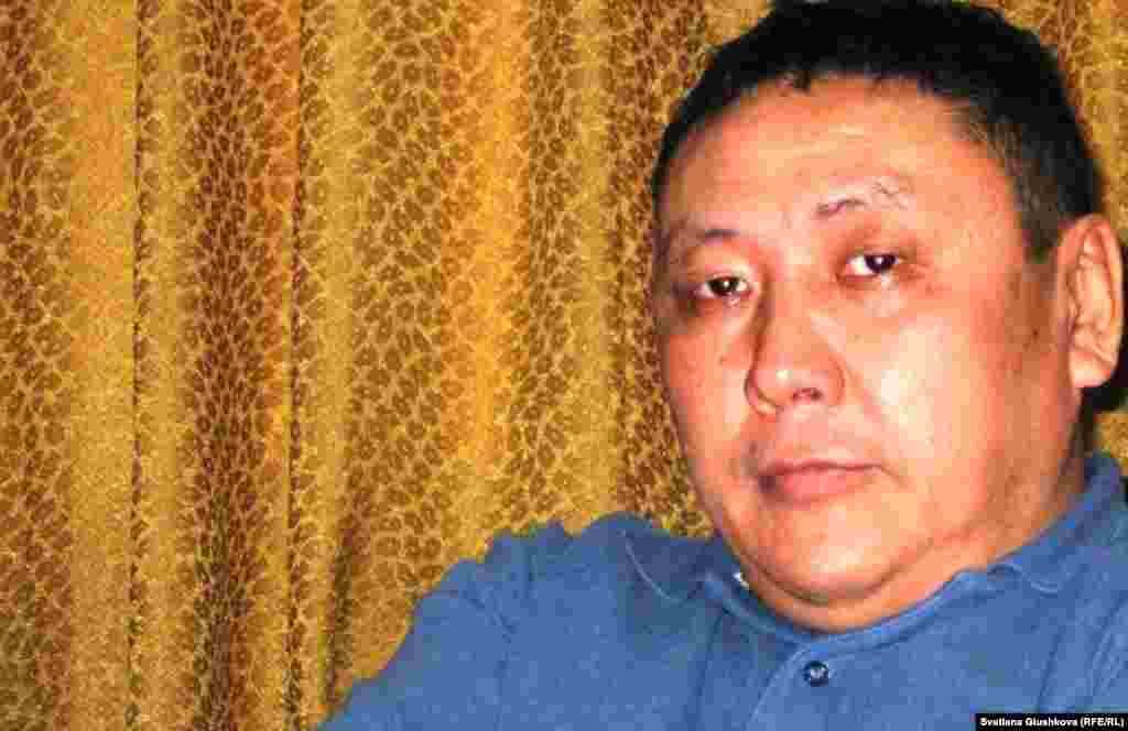 24 декабря стало известно о пропаже Токбергена Абиева, независимого журналиста, бывшего главного редактора газеты «Закон и правосудие».