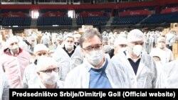 Predsednik Srbije sa volonterima