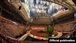 На церемонии закрытия Всемирной универсиады в Казани. 17 июля 2013 года.