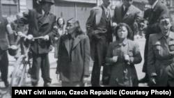 Судетские немки, 1945. Фото из архива PANT