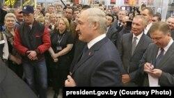 Аляксандар Лукашэнка на сустрэчы з прадпрымальнікамі 17 сакавіка