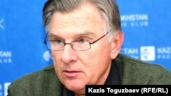 Геннадий Шестаков, председатель совета Казахстанской ассоциации таможенных брокеров. Алматы, 25 ноября 2010 года.