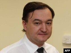 Fotografie din 2006 cu Serghei Magnițki. El a murit în detenție, în 2009, după ce a fost bătut de gardieni și i s-a refuzat accesul la tratament.