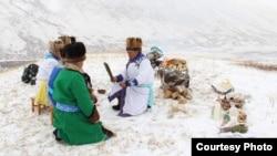 Обряд на плато Укок совершает Акай Кине