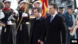 Српскиот премиер Ивица Дачиќ доаѓа во посета на Македонија.