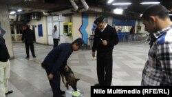 في احدى محطات مترو القاهرة