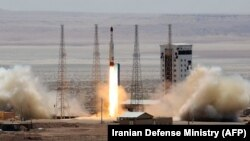 Eýranyň Simorgh (Phoenix) satellit raketasy. Arhiw suraty