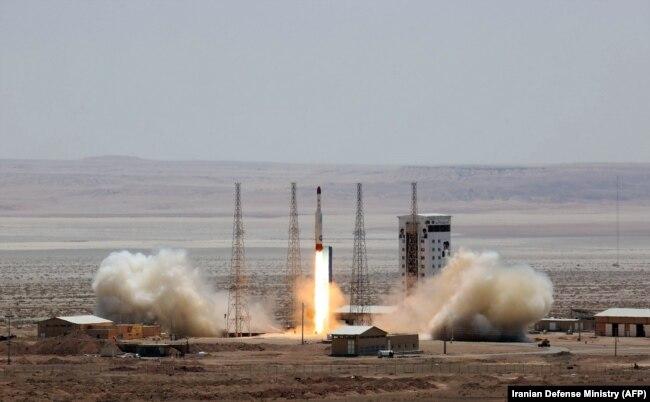 پرتاب ماهوارهبر سیمرغ در پایگاه فضایی امام خمینی در سمنان